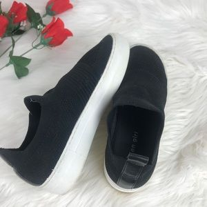 Madden Girl Kelsey Slip On Sneaker 6.5M